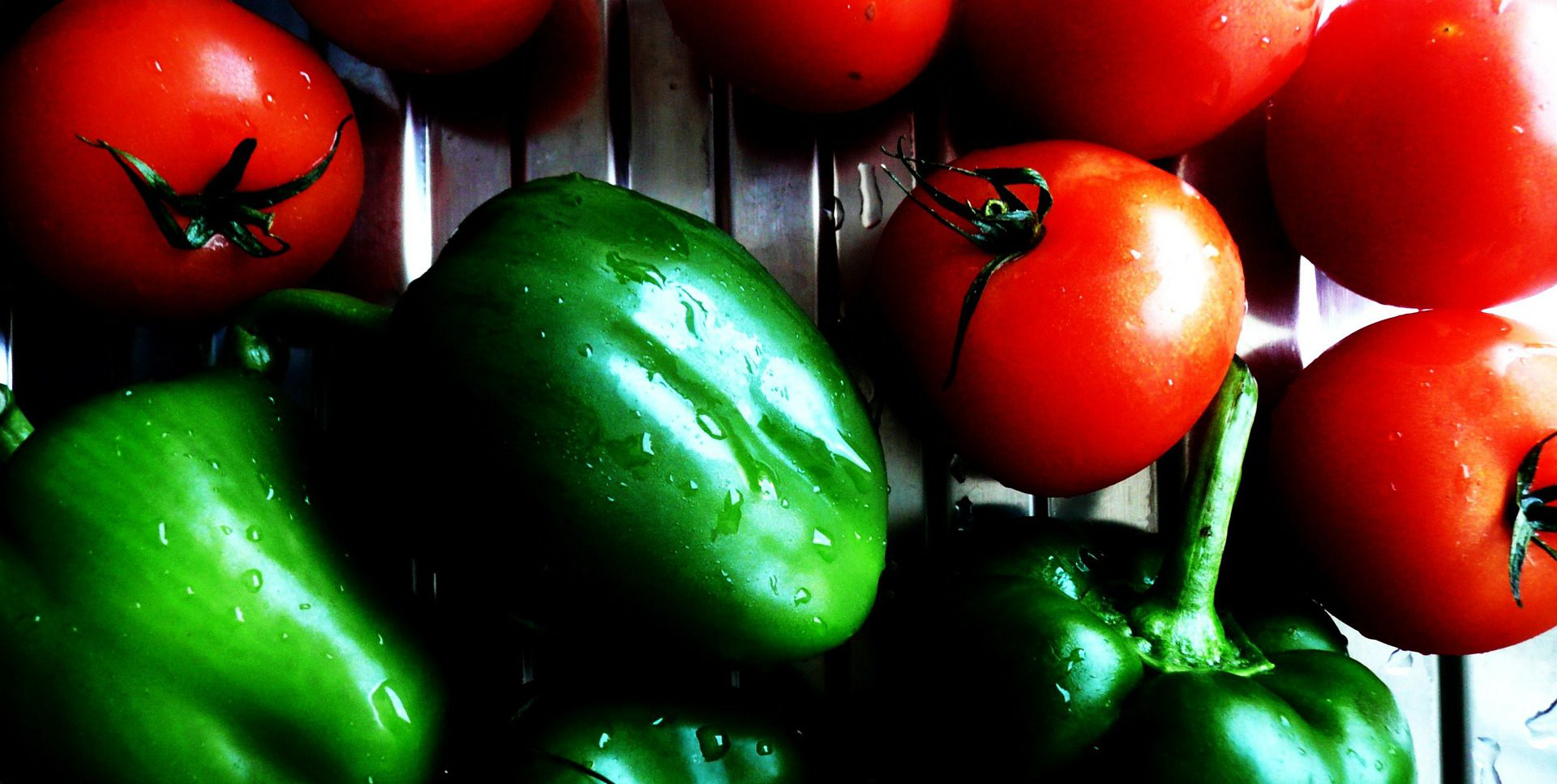 tomatoes-19577_1920